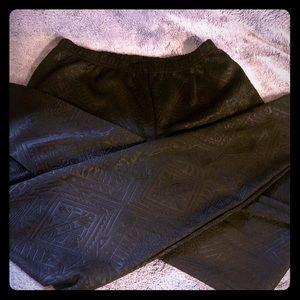 Xhilaration textured black leggings, size M